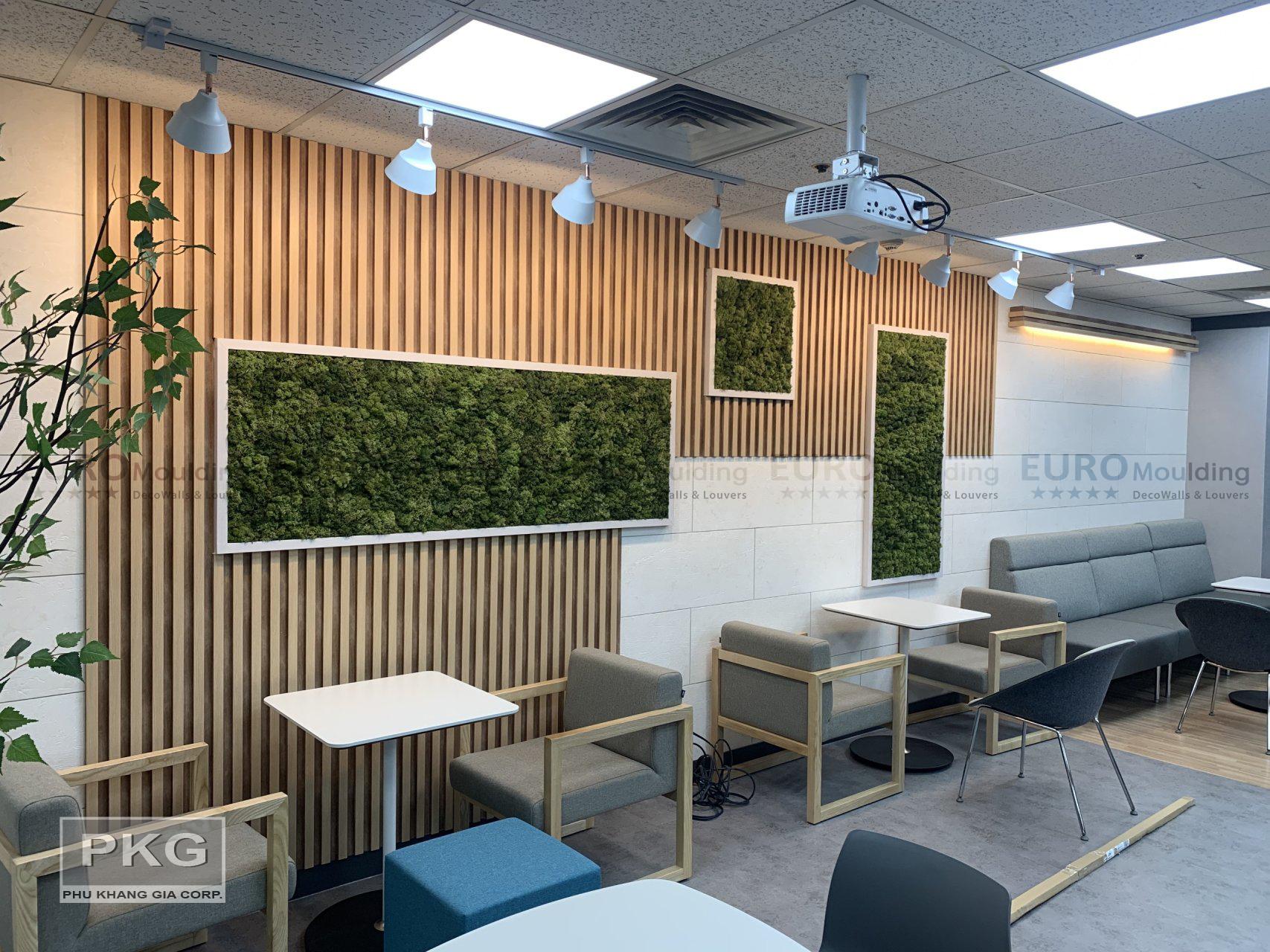 Thiết kế độc đáo từ lam gỗ nhựa ốp tường màu gỗ tự nhiên